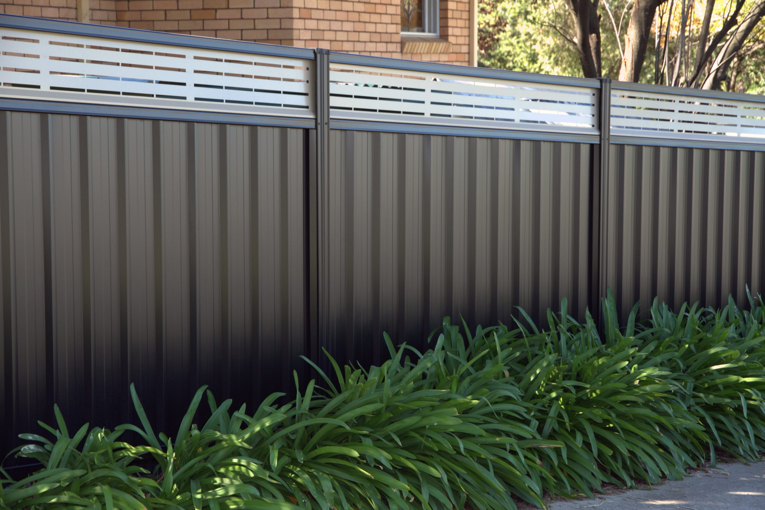The Benefits Of Colorbond Slat Fencing